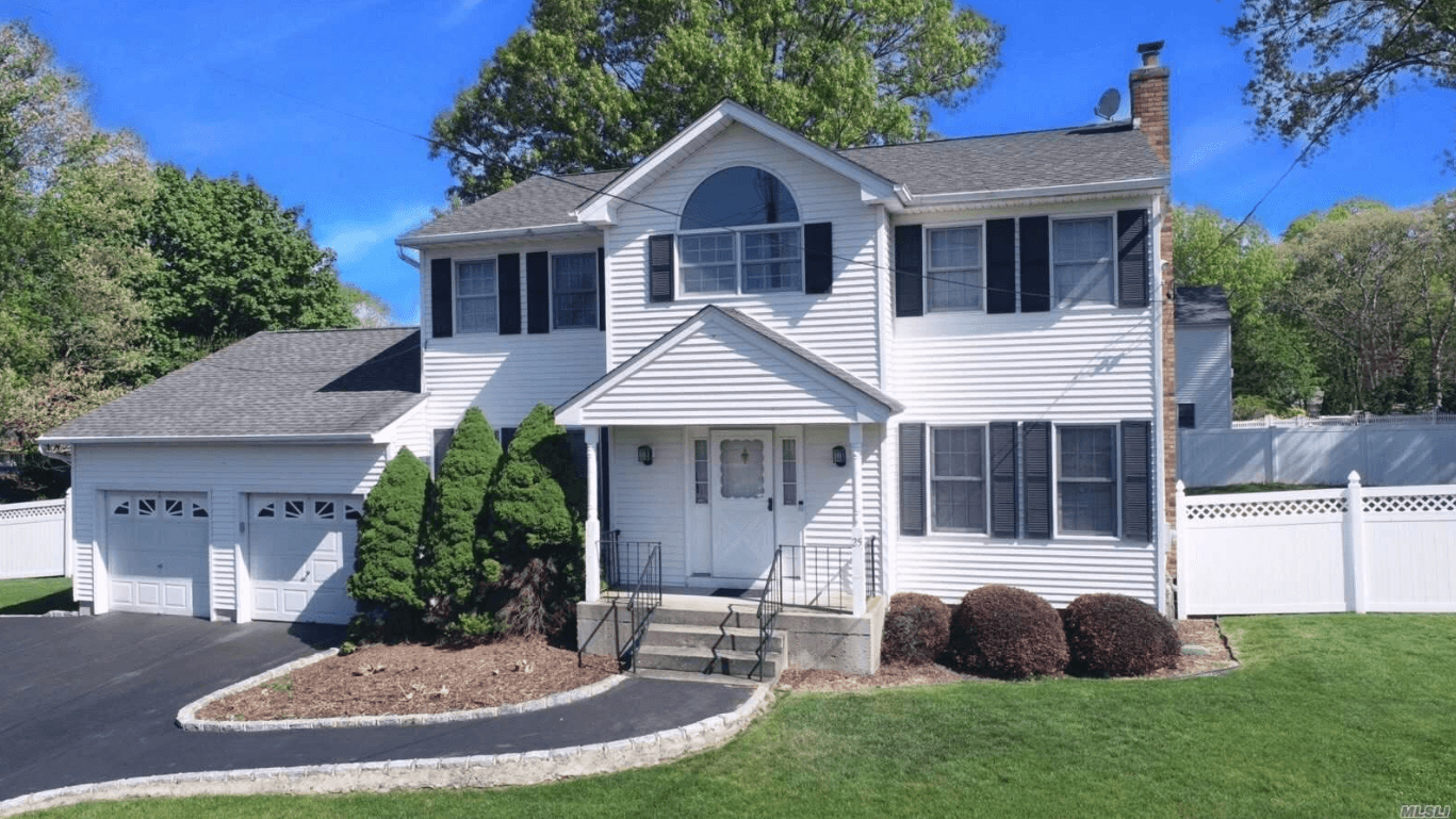 25 Richard Rd, Selden