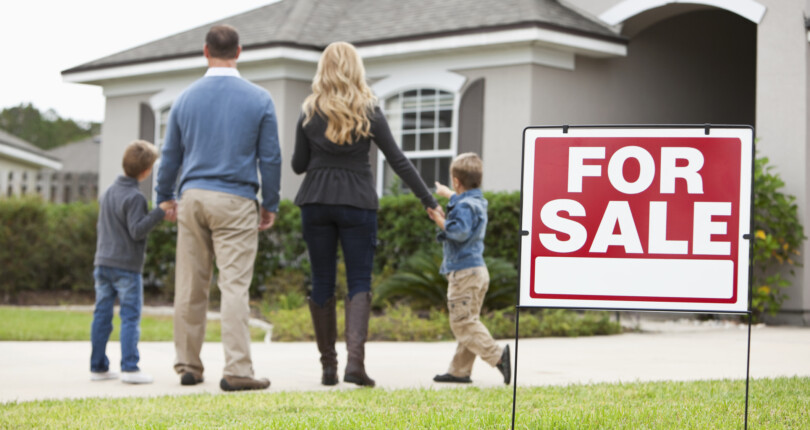 How to Buy and Sell a Home at the Same Time